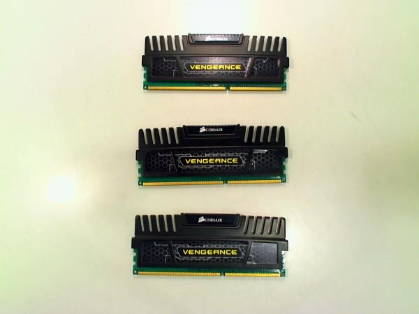 Corsair Vengeance DIMM 12 GB DDR3-1600 Tri-Kit CMZ12GX3M3A1600C9